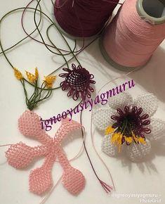 mutlu bir sabaha uyanmak dileğiyle hayırlı geceler 😍😍 #iğneoyası #iğne #igneoyasi #tasarım #çiçek #gül #takım #modelim #motifim #sanat #art… Embroidery Kits, Ribbon Embroidery, Filet Crochet, Crochet Lace, Needle Lace, Bargello, Sleeve Designs, Holidays And Events, Fiber Art