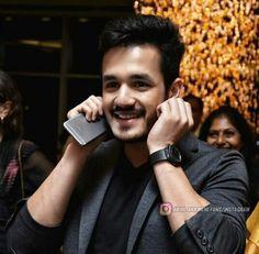 Heyy dont say sorryy! Cute Boy Pic, Cute Boys, Bollywood Actors, Bollywood Celebrities, Couple Photography, Portrait Photography, Telugu Hero, Allu Arjun Images, Crush Pics