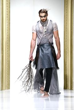 Gala UAD 2013 Designer: Magdalena Butnariu Collection: Rituals Catwalk, Men Dress, Menswear, Fashion Design, Fashion Trends, Mens Fashion, Skirts, Collection, Dresses