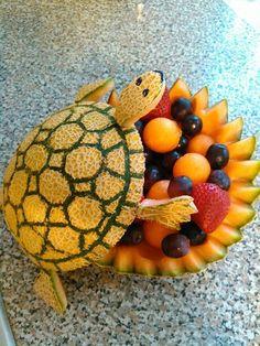 Fruit Platter Watermelon Vegetable Carving 68 New Ideas Fruit Centerpieces, Edible Arrangements, Centerpiece Wedding, Table Wedding, Wedding Decoration, Fruit Sculptures, Food Sculpture, Fruit Buffet, Fruit Platters