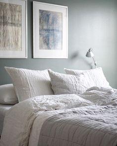 Comfy Sunday! ⠀⠀⠀⠀⠀⠀⠀⠀⠀⠀⠀⠀ Pellava on aika jees materiaali, varsinkin kun kotona asuu yksi, joka tykkää mankeloiduista lakanoista.… Sunday, Comfy, Bed, Instagram, Domingo, Stream Bed, Beds, Bedding