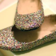 You can easily make a pair of the same stunning glitter flats you see in stores... For a whole lot less money!