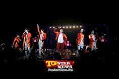신화(SHINHWA), 아시아투어 첫 '대만 콘서트' 공항부터 공연장까지 주황 물결 '감동의 현장' [K-POP]