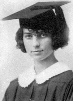 Did you know that Agnes Moorehead graduated from Muskingum College (now University) in New Concord, Ohio with a bachelor's degree in biology?  Here is her graduation photo in 1923.