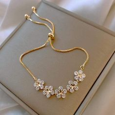 Fancy Jewellery, Stylish Jewelry, Cute Jewelry, Bridal Jewelry, Fashion Jewelry, Gold Fashion, Fashion Bracelets, Fashion Fashion, Jewelry Box
