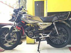 Yamaha Tw200, Yamaha Motorcycles, Cars And Motorcycles, Yamaha Rx 135, Boys Wallpaper, 2 Step, Custom Bikes, Dan, Street