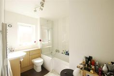 2 bedroom flat to rent in Hunt Close, Holland Park, London W11 - 28546380