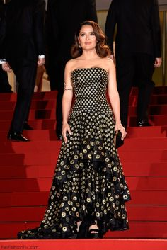 """Salma Hayek in Alexander McQueen strapless gown at """"Il Racconto Dei Racconti"""" Premiere during the 2015 Cannes Film Festival. #cannes #salmahayek"""