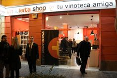 http://www.vinetur.com/blogs/750-vinooferta-shop-e-hispano-suizas-realizaron-una-cata-de-altura.html Una cata de altura en Vinooferta Shop