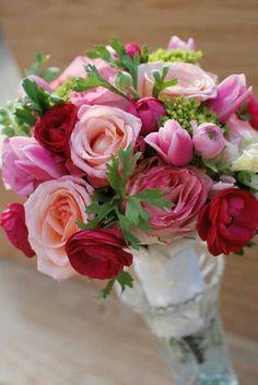 Pink shades. Romantic and sweet. Alaska weddings. Www.akbouquet.com