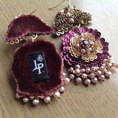 Готовенькие🤗Длина 7см,(с жемчугом),вес всего 7гр,Авторская ручная вышивка. Не продаются😈 #pearl #flowers #fashion #embroidery #hautecouture #вышивка #цветы #жемчуг #бисер #пайетки #бархат