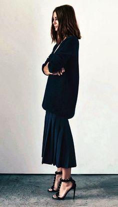 プリーツスカート トレンドファッション ミディ丈 2015秋冬 ブラックコーデ 辛口