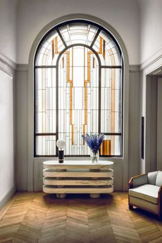 Art Deco Parisian home by interior designer Gaspard Ronjat Casa Art Deco, Art Deco Decor, Art Deco Design, Decoration, Art Deco Style, Art Deco Hotel, Contemporary Interior, Modern Interior Design, Interiores Art Deco