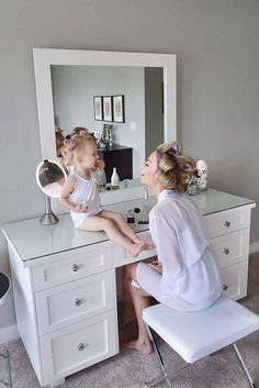 Getting ready wedding photos with your flower girl3 / http://www.deerpearlflowers.com/getting-ready-wedding-photography-ideas/3/