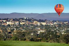 Discover the beauty of ballooning with Floating Images, Brisbane's closest hot air balloon flights. Balloon Rides, Hot Air Balloon, Things To Do In Brisbane, Caravan Hire, Balloon Flights, San Francisco Skyline, Countryside, The Good Place, Dolores Park