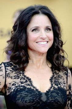 20 Gorgeous Shoulder-Length Haircuts for Women Over 50: Julia Louis-Dreyfus