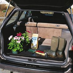 Large boot tray made of tough recycled plastic that can hold boots or shoes for the whole family. Also terrific for seed starting, under houseplants, or your car trunk.