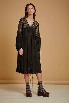 See the complete Clover Canyon Pre-Fall 2016 collection.