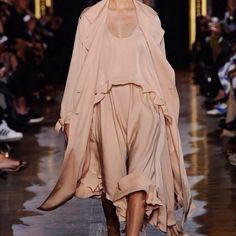fashion-clue: tepno: Stella McCartney SS15 www.fashionclue.net | Fashion Tumblr, Street Wear & Outfits