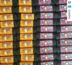 """Maman c'est toi la plus belle du monde. #Repost @funethic with @repostapp  #Belgique : Dernière ligne droite pour trouver le cadeau parfait pour la Fête des Mamans ! Commandez vite la trousse #FunEthic sur @sebiobelgium !  Elle se compose d'une Trousse """"Beauty Tips by Fun'Ethic"""" d'une Eau Micellaire en format voyage 100ml et de 5 #CarrésMagiques démaquillants lavables et réutilisables  #sebio"""