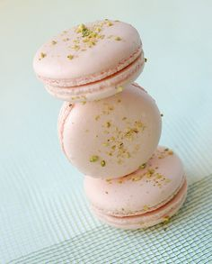 Pistachio and apricot macarons