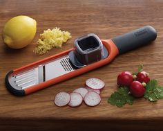 Grate or zest your salad ingredients using the Joseph Joseph Handi-Grate™2-in-1 mini grater and slicer.