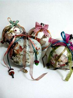 ! Decoupage, Lucky Charm, Fall Halloween, Diy And Crafts, Charms, Christmas Ornaments, Holiday Decor, Home Decor, Xmas Ornaments