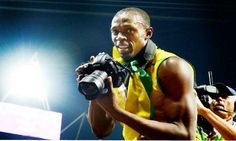 Usain Bolt: After Historic Win, Grabs Nikon D4 to Capture London Olympics 2012 [Pictures]