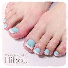 Hair and Beauty on Share Sunday Pedicure Designs, Pedicure Nail Art, Toe Nail Designs, Toe Nail Art, Nail Manicure, Blue Toe Nails, Feet Nails, Pretty Pedicures, Nagel Bling