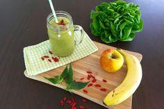 Superfood Brennnessel Rezept für Grünen Smoothie   Superfoodsamstag bei feiertäglich