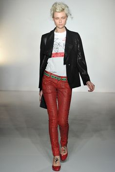 Vivienne Westwood Red Label | Fall 2012 Ready-to-Wear Collection | Vogue Runway