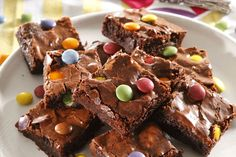 Makes 12 Preparation time: 10 min Baking time: 30 min 85 g butter 225 g dark chocolate 160 ml. Sweets Recipes, Brownie Recipes, Cooking Recipes, Desserts, Yummy Recipes, Yummy Treats, Sweet Treats, Yummy Food, Dessert Book