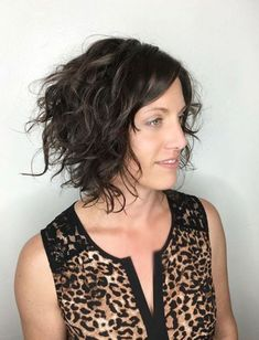60 Most Delightful Short Wavy Hairstyles Messy+Curly+Bob Messy Curly Hair, Curly Hair Styles, Haircuts For Curly Hair, Short Wavy Hair, Curly Hair Cuts, Down Hairstyles, Curly Bob, Messy Bob, Hairstyles 2016