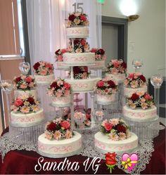 Royal Blue Wedding Cakes, Big Wedding Cakes, Floral Wedding Cakes, Amazing Wedding Cakes, Fountain Wedding Cakes, Cupcake Tower Wedding, Fruit Wedding Cake, Quinceanera Cakes, Quinceanera Ideas