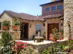 Villa Toscana - Texas Tuscan House Plan with Front Courtyard Design Lounge, Design Patio, Design Exterior, Tuscan Style Homes, Mediterranean Style Homes, Tuscan House, Mediterranean Living Rooms, Mediterranean Architecture, Front Courtyard