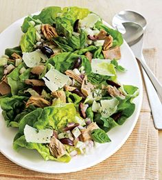 Our Tuscan Tuna Salad incorporates crunchy fennel, fresh herbs & a zingy vinaigrette - an ideal summer supper, no?