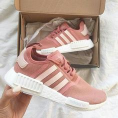 Adidas Ci Ha Appena Dato La Nmd R1 In Un Bel Colore Athletic