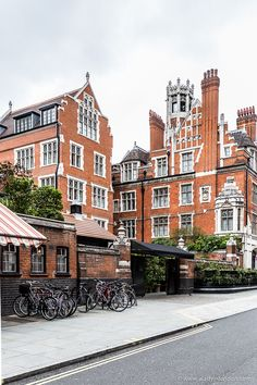 Marylebone is as lovely as central London neighborhoods get. If you're up for exploring, here's a quick guide to the area. England And Scotland, England Uk, London England, London City, Beach London, London Architecture, Gothic Architecture, Ancient Architecture, London Neighborhoods