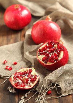 Pomegranates / Romãs