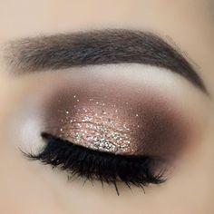 """13.7k Likes, 84 Comments - 💎 R U B I N A 💎 (@rubina_muartistry) on Instagram: """"🌟 💋  EYESHADOWS: @shopvioletvossHG Eye Shadow Palette GLITTER:@certifeye glitter LASHES:…"""""""