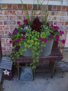 55 Fresh Spring Garden Ideas for Front Yard and Backyard Landscaping - Diy Garden Decor İdeas Container Flowers, Container Plants, Container Gardening, Gardening Tools, Gardening Vegetables, Gardening Gloves, Outdoor Pots, Outdoor Flowers, Outdoor Ideas