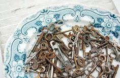 skeleton keys on vintage plate