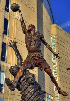 Michael Jordan's Statue, Chicago Mvp Basketball, Basketball Shorts Girls, Basketball Legends, Basketball Socks, College Basketball, Mike Jordan, Michael Jordan Basketball, Chicago Bulls, Michael Jordan Images