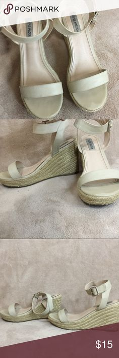 Steve Madden tan summer wedges Lightly worn, Steve Madden wedges. Perfect for summertime. Tan/nude color. Almost new, only the soles look worn Steve Madden Shoes Wedges