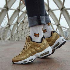 Gold with Rilakuma 🐻 #airmax #soletoday #jordandepot #kickfeed #jordanaddict #buttermovement #featuremysneaks #nike #kickspolice #laceddifferently #shoesfeed1 #certificiedshot #goldengrails #lacedsociety #sneakershields #soleyjumpman #kickstagasm #midsolegap #sneakerspics #buckeyecitysole #kicstag #reshoevn8r #snkrhdnation #englishsole #tied2kicks #smiths_kickz #socks #ratethisshot #basketball #lrkicksondeck