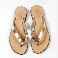 Hydra | Sandales en cuir pour femme | Made in Greece  #sandals #leather #madeingreece Greek Sandals, Palm Beach Sandals, Flip Flops, Take That, Flats, Leather, Shoes, Fashion, Woman