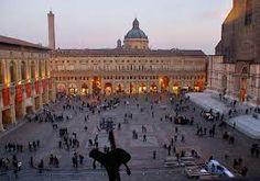 Piazza Maggiore al tramonto