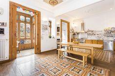 Piso en venta en #Barcelona #Céntrico  Espectacular piso modernista en venta entre la Plaza Urquinaona y Paseo de San Juan    SEPFINQUES   M 677415782   info@sepfinques.com   Ronda Universitat 7 2-4   BCN    http://qoo.ly/d3s7a