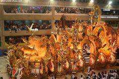 Pour le carnaval de rio, danse et déguisement de folie sont à l'honneur. Cette année Super Yonis a pu participer au spectacle. Yonis-shop.com
