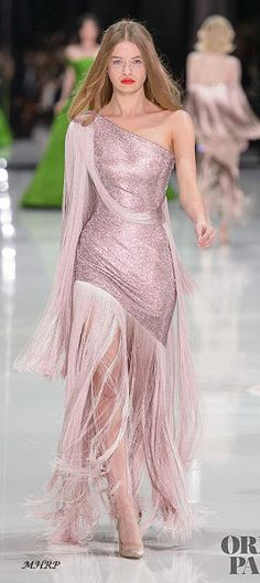 Ralph & Russo Frühling-Sommer 2018 - Couture - www. Style Haute Couture, Spring Couture, Runway Fashion, Fashion Show, Fashion Looks, Trendy Fashion, Formal Evening Dresses, Evening Gowns, Beautiful Gowns